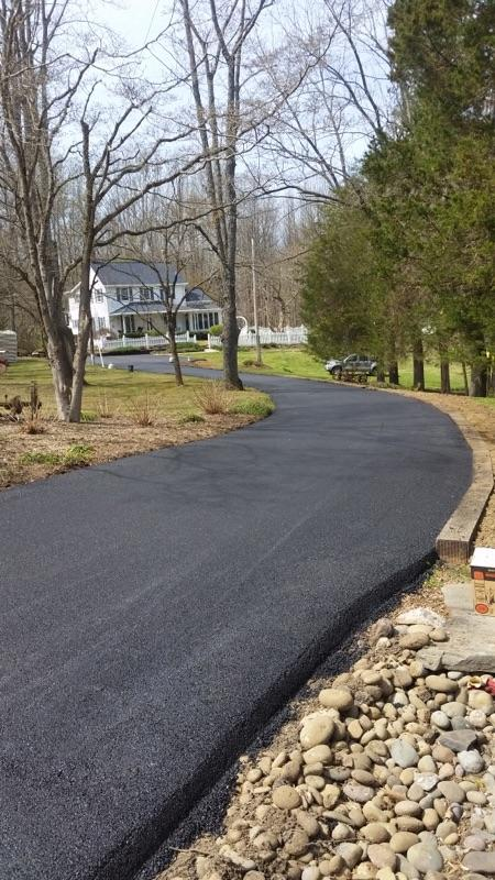 Pros and Cons of Tar & Chip Paving for Driveways - Commercial